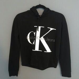 Cropped Calvin Klein's hoodie in black